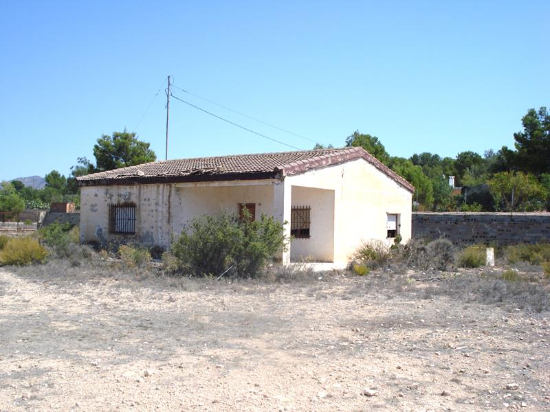 An Excellent Opportunity To Acquire A 3 Bedroom Country House For Renovation