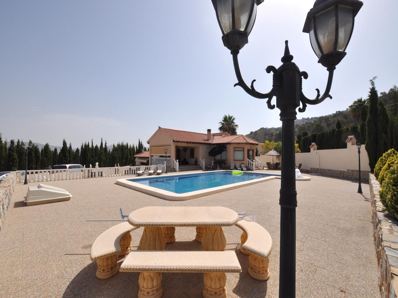 3 Bed Luxury Villa With Swimming Pool And Garage