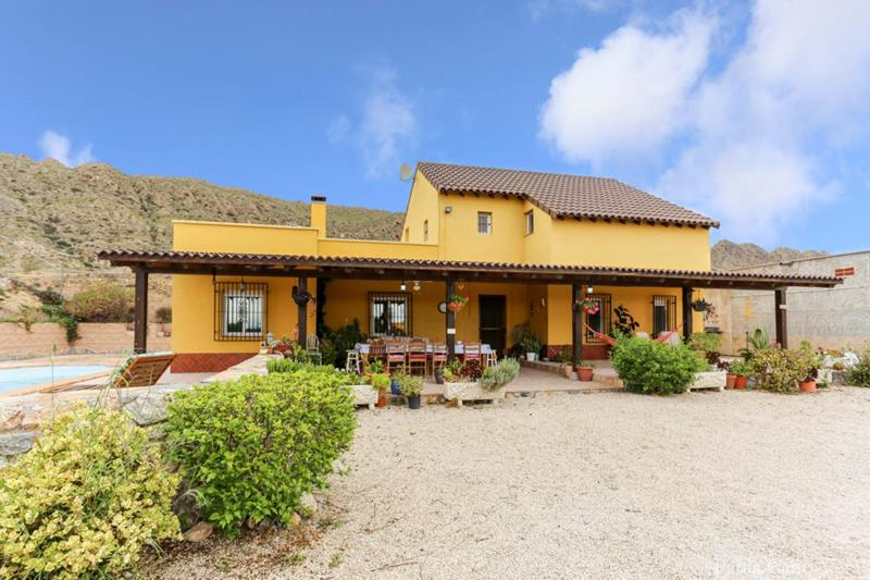 Stunning Spanish Finca, 5 Bedrooms With Pool And Garage near Fortuna