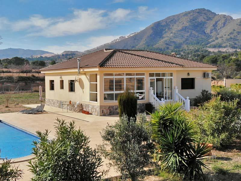 A Spacious 3 Bedroom Detached Villa With Swimming Pool