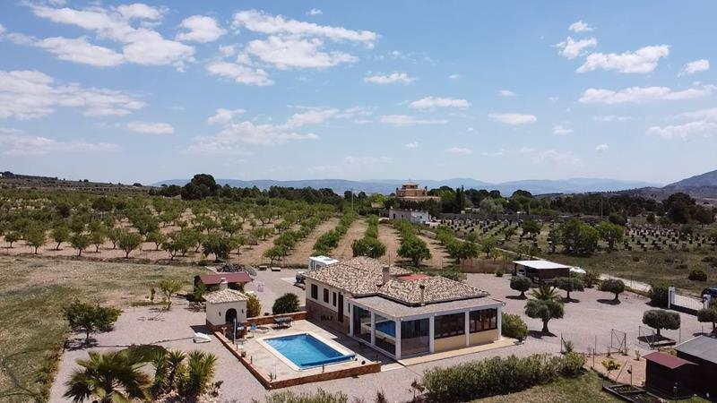 Fabulous Detached 3 Bedroom Villa With Swimming Pool