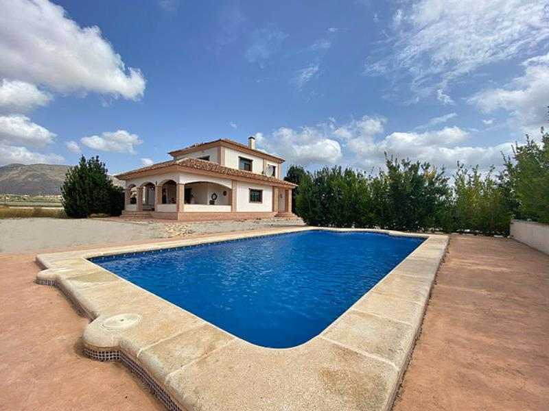 4 Bedroom Villa With Swimming Pool