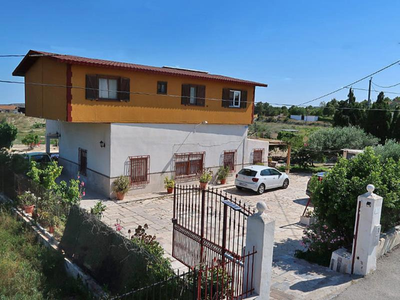 Large 6 Bedroom Property With Pool And Guest Apartment