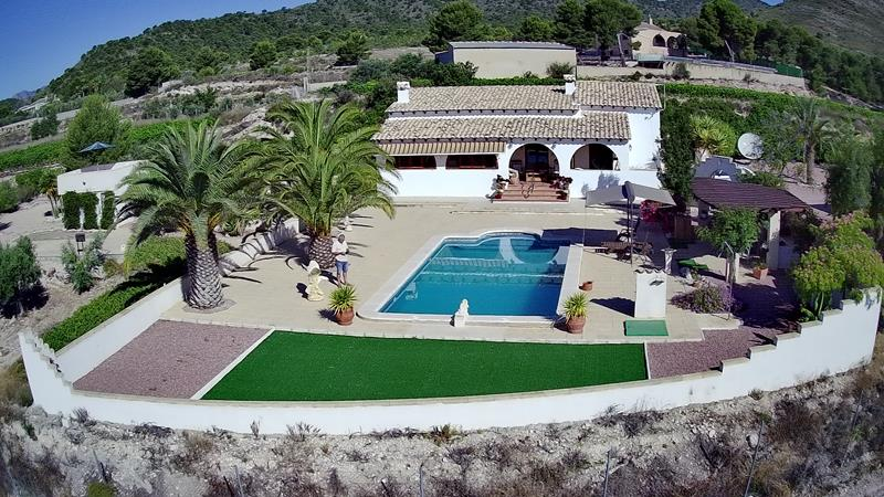 A Beautiful Traditional Style Villa With Swimming Pool And Fantastic Views